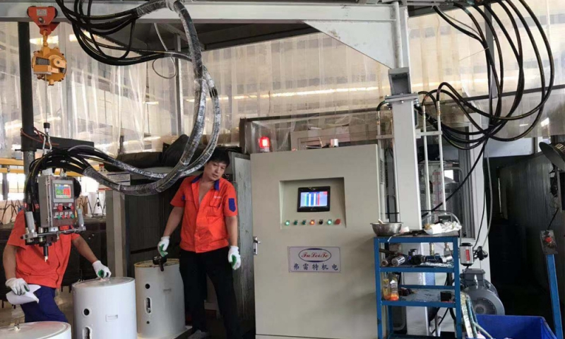 Shandong water heater cyclopentane foaming machine