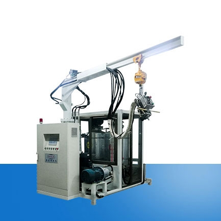 Environmentally friendly cyclopentane foaming machine